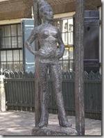 Амстердам. Памятник проститутке.