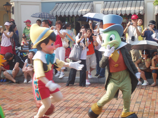 pinnochio pinnochio and jiminy cricket