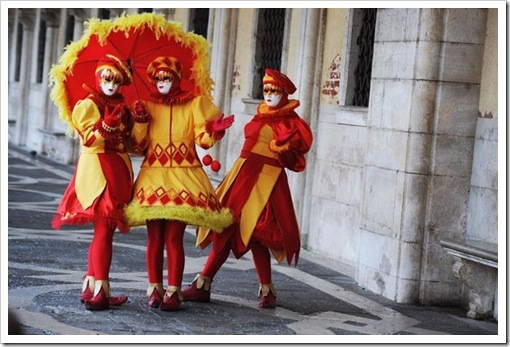 Carnevale 2011 - foto il martedi grasso a venezia - maschera ed erotismo5