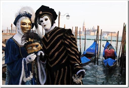 Carnevale 2011 - foto il martedi grasso a venezia - maschera ed erotismo4