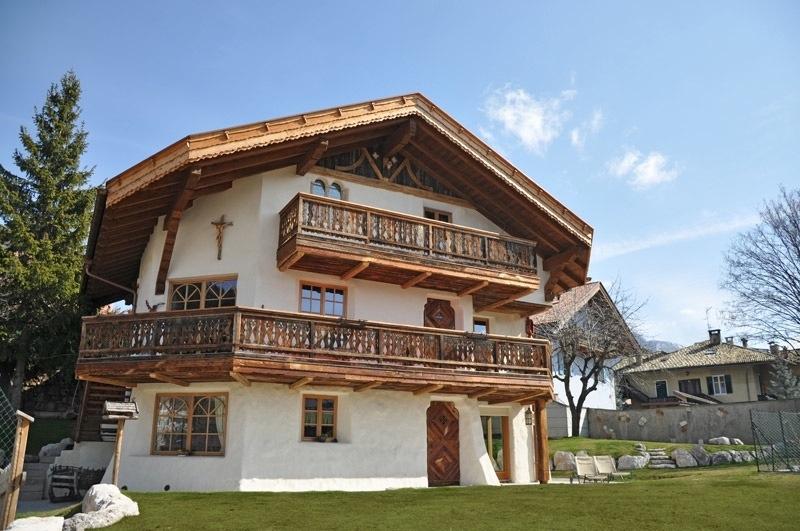 Squarciomomo la casa delle favole di montagna for Immagini di case di montagna
