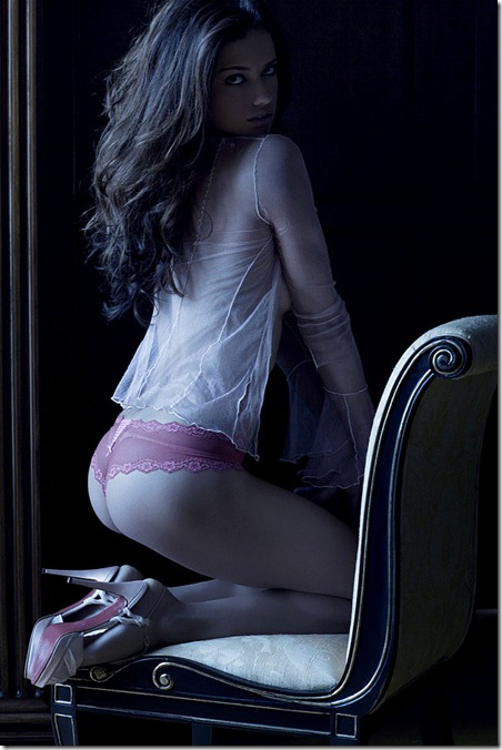 Adriana Lima de Langerie  Photoshoot Victoria Secrets (13)