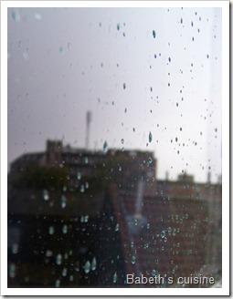 pluie sur les carreaux