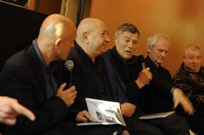 Photo de Olivier Poivre d'Arvor, Christian Boltanski, Jean Pierre Bertrand, Jean Pierre Raynaud et Claude Lévêque