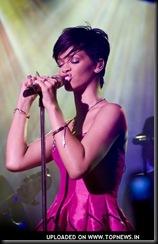 Rihanna19