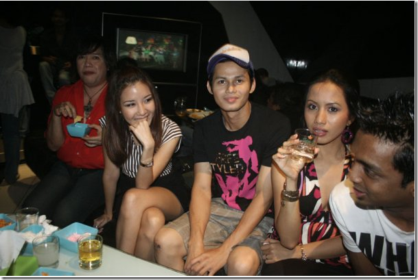 Gaya sosial artis-artis Melayu zaman sekarang… Dahsyatnyer!