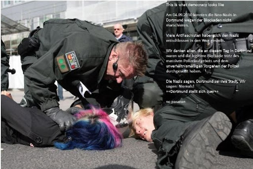 http://lh4.ggpht.com/_t_ujyXPvS2U/TIP8Ph4qqsI/AAAAAAAAAG4/WaFY6Len6WM/thisiswhat-democracylookslike-dssq-wn030snap.jpg