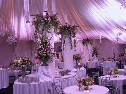 wedding decoration white hall