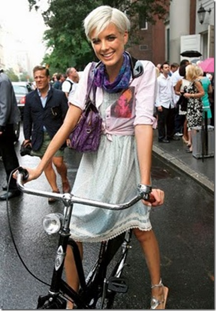 agyness-on-bike-from-teen-vogue