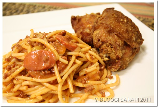 SWEET SPAGHETTI WITH FRIED © BUSOG! SARAP! 2011CHICKEN