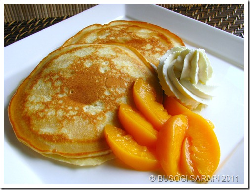 PANCAKE DRIZZLED WITH SYRUP WITH WHIPPED VANILLA CREAM & PEACHES© BUSOG! SARAP! 2011