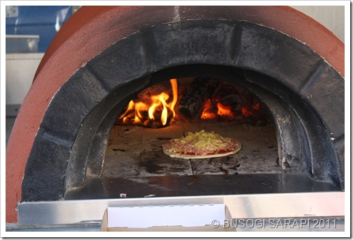 TRIBE'S TROPPO PIZZA COOKING!© BUSOG! SARAP! 2011