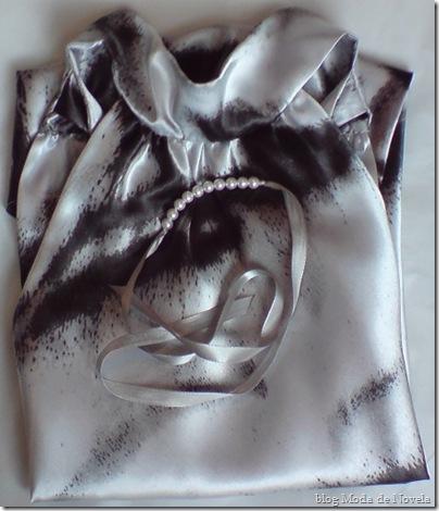 moda de novela blusa da judith mais pulseira de tecido com pérolas