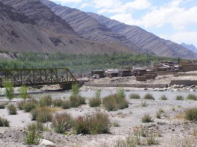 Bridge before Upshi on the Indus