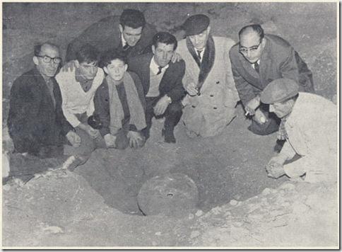 Histórica foto del descubrimiento del tesoro. Soler es el tercero por la derecha.