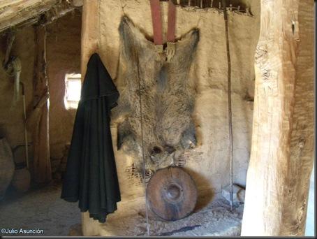 08 Casa celtibérica - panoplia guerrera e indumentaria - Numancia