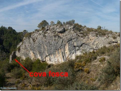 Espolón rocoso donde se encuentra la Cova Fosca