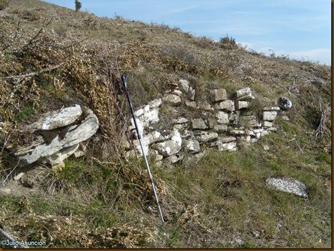 Restos de la muralla protohistórica - Castro de Irulegi