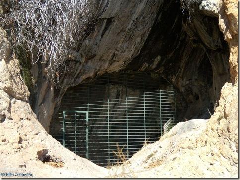 Cueva de Santa Maira