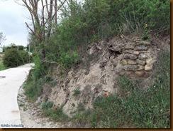 Resto de muralla cerca de la iglesia - castro de Sansol