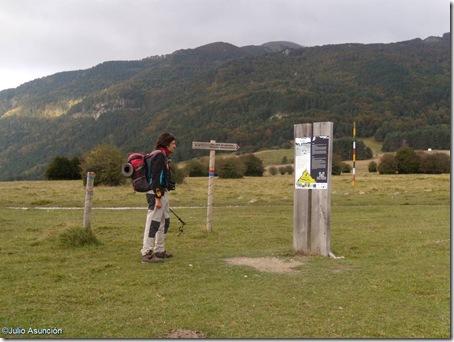 Señalización al comienzo de la ruta - lakartxela