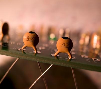 3 capacitors.jpg