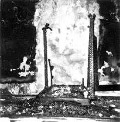 Devotos de la Santa Muerte acostumbraban pasar una moneda entre los huesos de la imagen para pedirle suerte y una muerte bondadosa