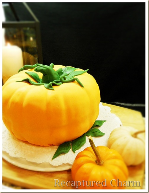 pumpkin spice cake with fondant 042a