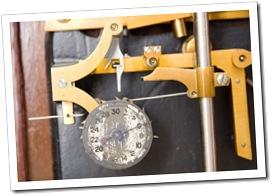 Detalhe do funcionamento do Relógio Escravo