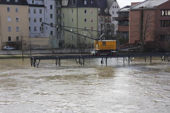 http://lh4.ggpht.com/_uzLsIJX7LLU/TTH6bD1q0NI/AAAAAAAACoo/-WxIIJbjKNk/s576/regensburg-hochwasser-15012011IMG_1415.JPG