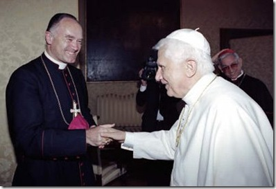 Benedicto XVI y Monseñor Fellay