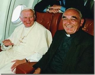 Padre Tucci con Juan Pablo II