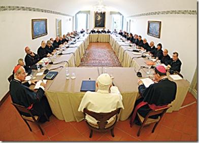 SS Benedetto XVI - Convegno con gli ex- Alunni , Sala della Rocca , Palazzo Apostolico di Castel Gandolfo - 28-08-2010        - (Copyright L'OSSERVATORE ROMANO - Servizio Fotografico - photo@ossrom.va)