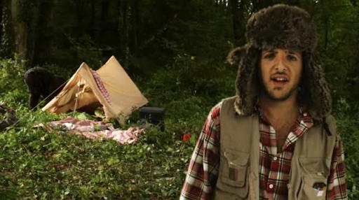 Un cacciatore spara a un orso, la nuova era della pubblicità