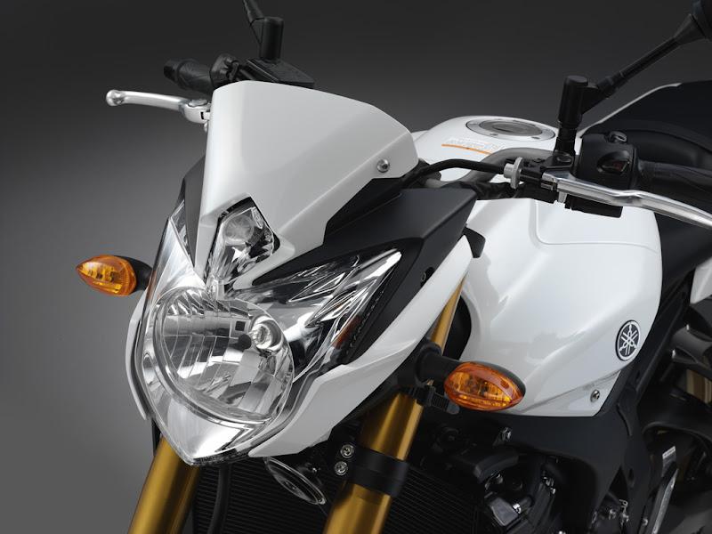 Carenada Yamaha Fazer 8 cor branca
