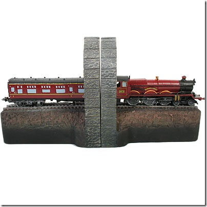 neca_hogwarts_express_bookends