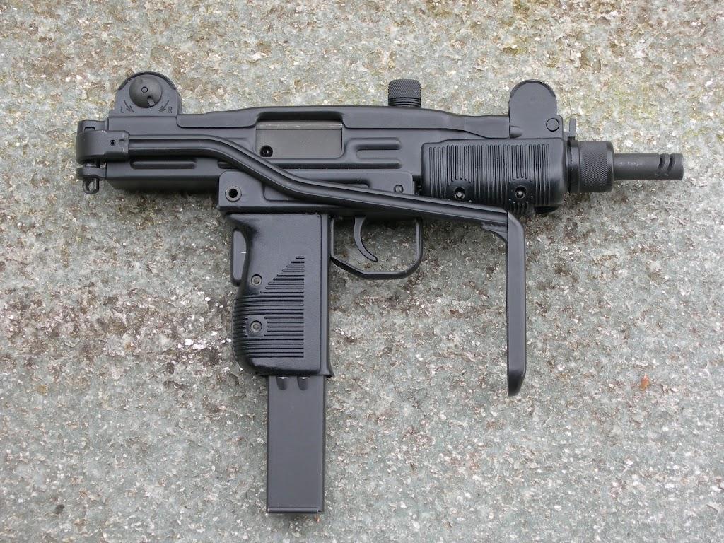 Pistolets-mitrailleurs : on n'en parle pas beaucoup ! DSCN1402