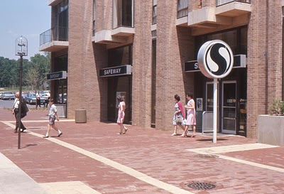 safeway at lake anne reston va 1966 pleasantfamilyshopping.jpg