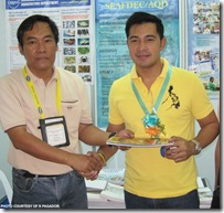 Actor Cesar Montano (right) visited AQD's booth ,manned by Mr. Rosenio Pagador during the Aquatech 2010 convention