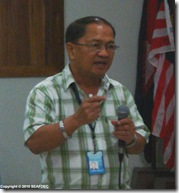 AQD's training & information head Mr. Renato Agbayani discusses livelihoods enterprise development for the Capiz participants