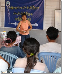 AQD scientist Dr. Emilia Quinitio gives a lecture