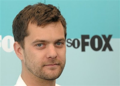 Well Charlie grew up and turned into Pacey, and now Pacey is all grown up and looking damn fine!