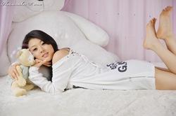 Hwang Mi Hee White Pajamas-1