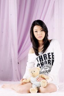 Hwang Mi Hee White Pajamas-2