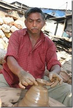 267570-Potter-Dharavi-Slum-Mumbai-0