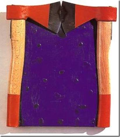 ARALDO (un elemento della Quadreria araldica) encausto e asce su tela sagomata, cm. 32 x 28 x 4 esposto in Giovani artisti IV, Palazzo delle Esposizioni, Roma; ediz. Carte segrete, 1999