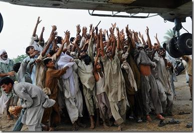 TOPSHOTS-PAKISTAN-WEATHER-FLOOD