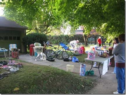 yard sale day 041