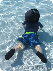 gus chilling underwater