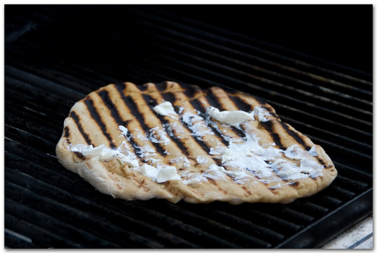 Grilled crust with goat cheese